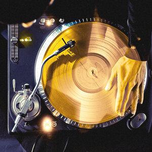 閃亮巨星DJ