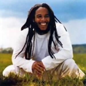 Grooving to Reggae Beats