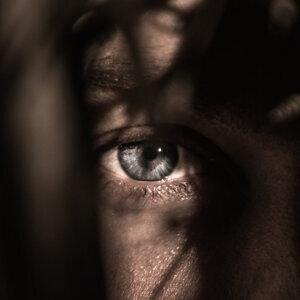 怪談故事-別看它的眼睛