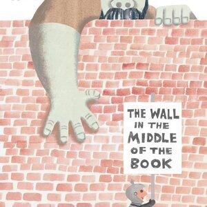 【英桃小玩子】 A Wall in the Middle of the Book到底是什麼牆?